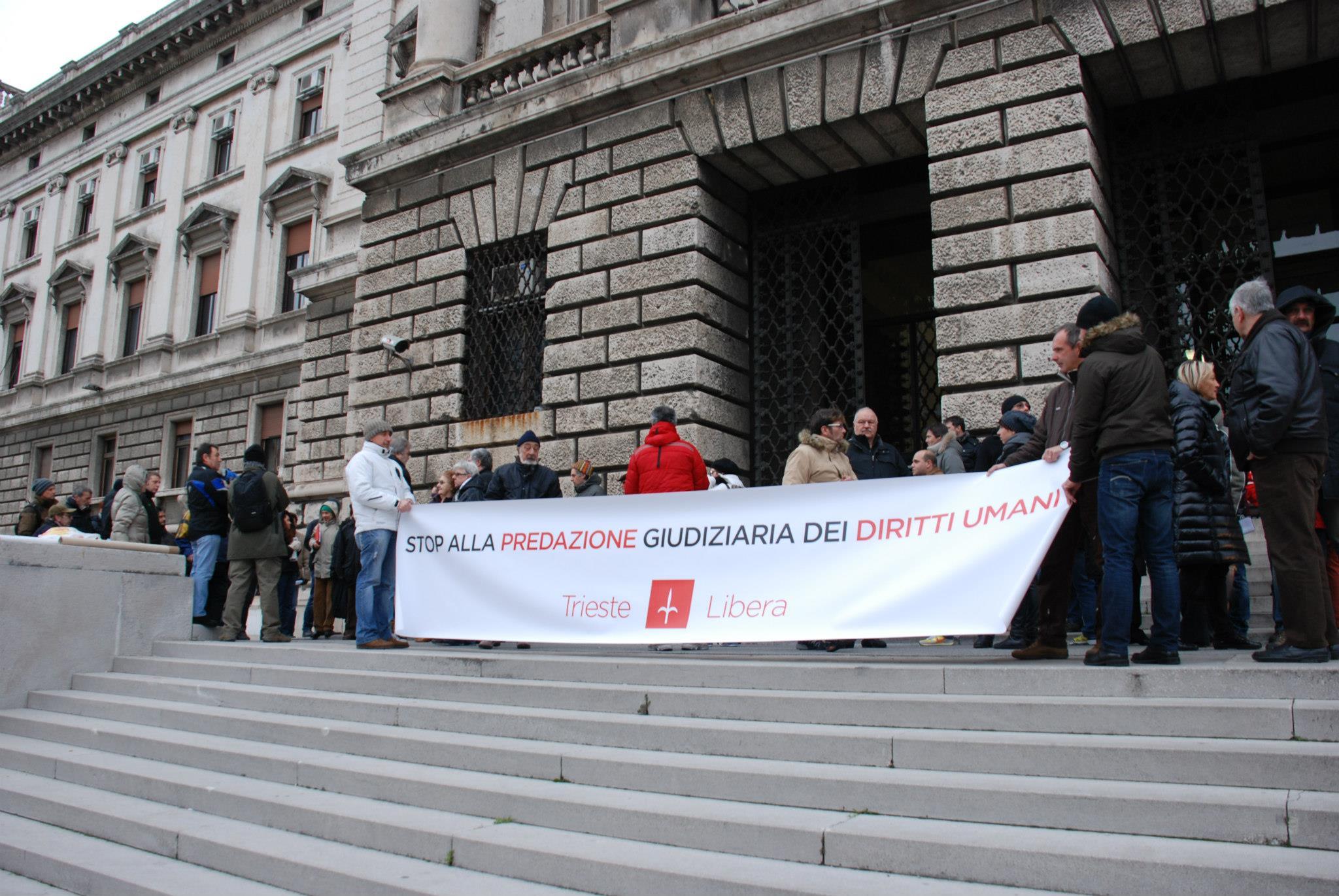 9 febbraio 2013: Trieste Libera presidia il Tribunale di Trieste