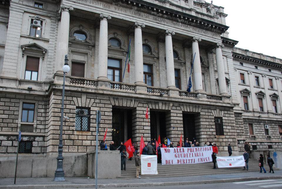 15 dicembre 2012: Trieste Libera presidia il Tribunale di Trieste