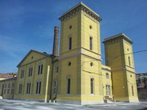 La centrale idrodinamica nel Porto Franco Nord di Trieste.