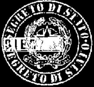 """Sigillo in negativo con lo stemma della Repubblica Italiana e la scritta """"Segreto di Stato""""."""