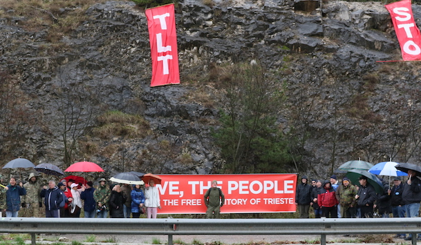 manifestazione-confine-trieste-10-2-2016