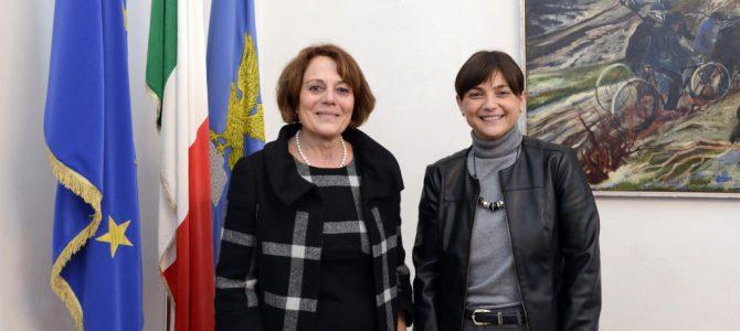 Iniziativa stravagante ed intollerabile della Commissaria del Governo italiano a Trieste: nega l'evidenza giuridica e pure minaccia!