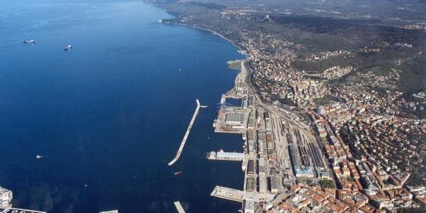 Trieste: assurdo il sondaggio d'opinione del PD sul Porto Franco Nord