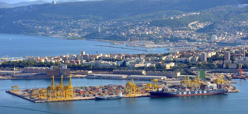 Porto Franco internazionale del Territorio Libero di Trieste (Molo VII).