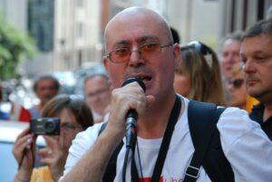 2013: Roberto Giurastante parla durante il presidio di Trieste Libera alla Commissione Tributaria di Trieste.